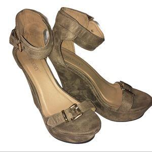 Delicacy Wedge Heel Shoe